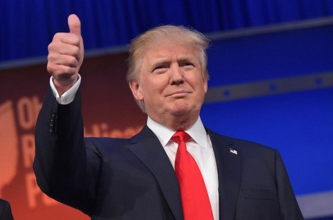 Trump Dukung Larangan Metode Penguncian Leher oleh Polisi
