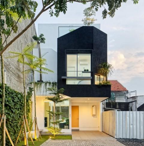 Hunian dengan Lahan Minim Berkonsep <i>Compact House</i>