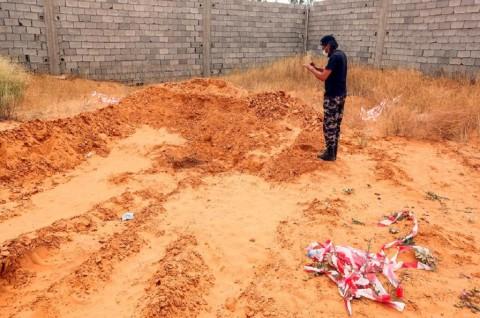 Sebelas Kuburan Massal Ditemukan di Libya