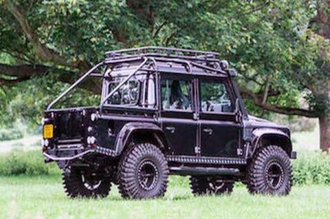 Kerennya Land Rover Defender SVX yang Beraksi di Film Spectre