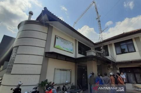 Menara di Gedung BPN Garut Roboh, Satu Pekerja Tewas