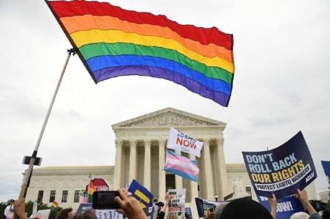 Mahkamah Agung AS Lindungi Hak Pekerja LGBT