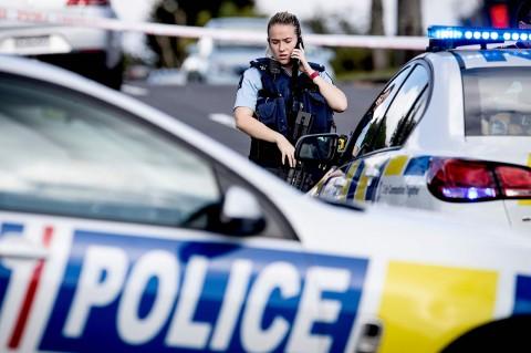 Dua Polisi Selandia Baru Ditembak, Satu Tewas