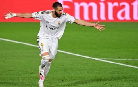 Zidane Sanjung Benzema Usai Cetak Dua Gol
