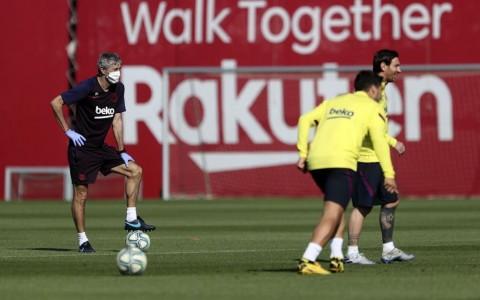 Quique Setien Masih Berharap Lawan Napoli di Camp Nou