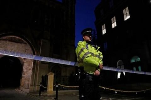 Tiga Orang Tewas dalam Penusukan di Reading Inggris