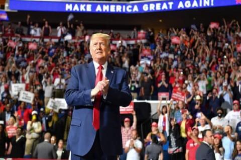 Trump Sebut Covid-19 'Kung Flu' dalam Kampanye di Tulsa