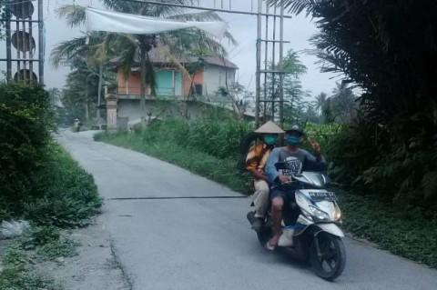 Abu Merapi Menyelimuti Sebagian Wilayah Magelang