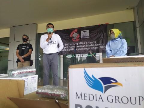Yayasan Media Group Salurkan APD ke RSUD Leuwiliang Bogor
