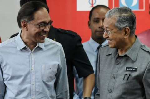 Ingin Rebut Kekuasaan Kembali, Koalisi Pakatan Harapan Terpecah