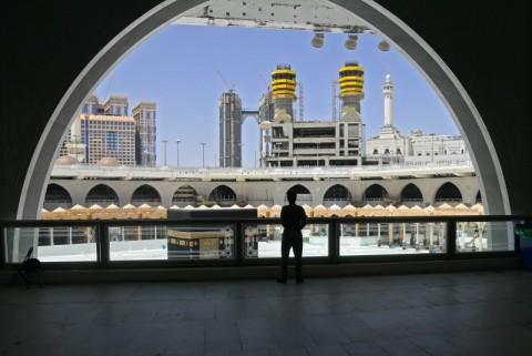 Cabut Lockdown, Arab Saudi Mulai Buka Masjid di Mekkah