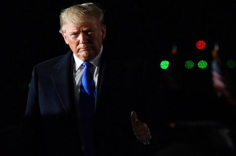 Trump Perpanjang Larangan Visa bagi Pekerja Asing