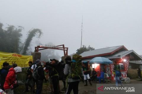 Lima Pendaki di Gunung Marapi Hilang