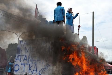 Mahasiswa Gelar Unjuk Rasa Tolak 500 TKA asal Tiongkok