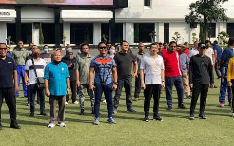 Membangun Komunikasi TNI-Pers Sambil <i>Ngopi</i> dan  Olahraga