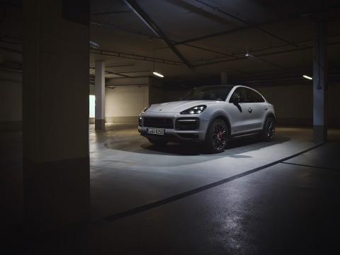 Porsche Cayenne Kembali Gunakan Mesin V8