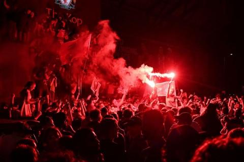 Potret Pemain dan Suporter Liverpool Merayakan Gelar Juara Liga Inggris