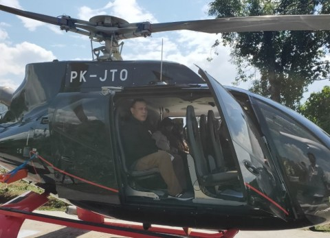 Kata Kolega, Firli Sewa Helikopter Persingkat Perjalanan
