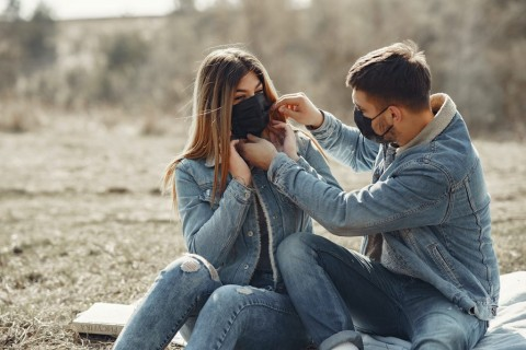 Tiga Tips Melatih Kesadaran Diri dengan Pasangan saat New Normal