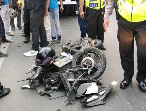 Truk Tabrak Motor di Pademangan, Dua Terluka