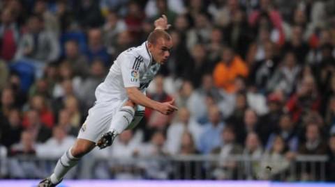 Sneijder Akui Ketergantungan Alkohol Saat Perkuat Real Madrid