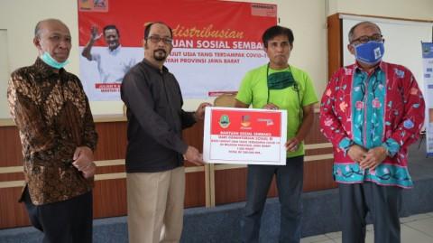 Kemensos Salurkan 1.000 Paket Sembako untuk Lansia di Jabar