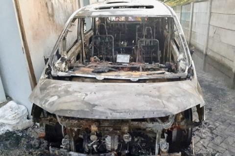 Mobil Via Vallen Diduga Dibakar <i>Fans</i>-nya Sendiri