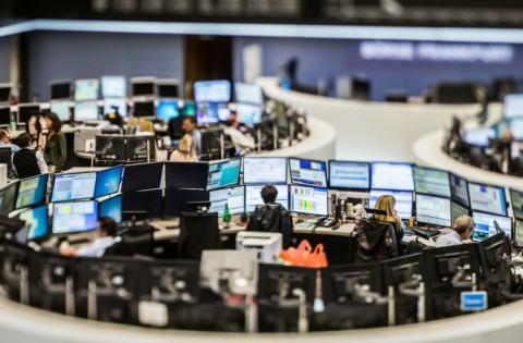 Reli Terhenti, Bursa Saham Inggris Turun 0,9%