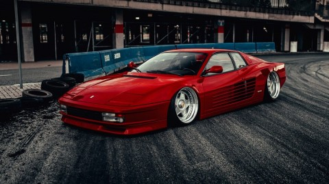 Gaya Kekinian di Ferrari Testarossa