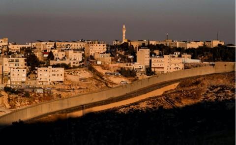 Warga Israel Menunggu Kabar Rencana Aneksasi Palestina