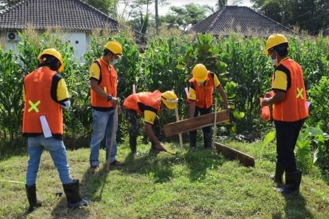 Pekerja Bangunan Program Hunian Pariwisata Ikut Sertifikasi