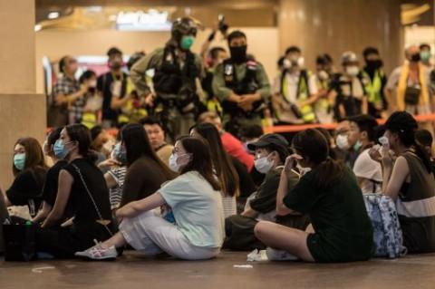 Polisi Hong Kong Tangkap Lebih dari 300 Pedemo
