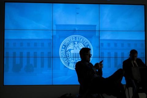 The Fed Bahas Dampak Risiko Gelombang Kedua Covid-19
