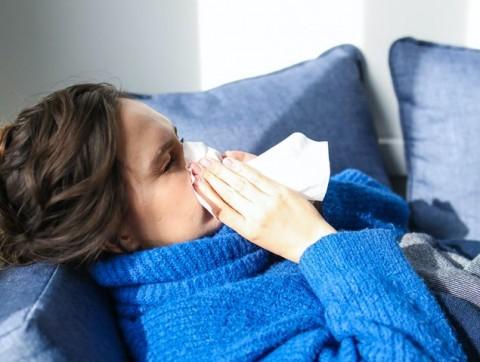Tips Bedakan Covid-19 dengan Alergi Musiman