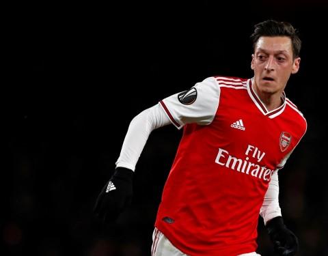 Arteta Klarifikasi Masa Depan Oezil di Arsenal