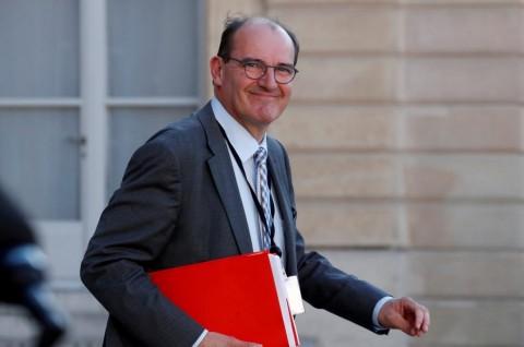 Emmanuel Macron Tunjuk PM Baru Prancis