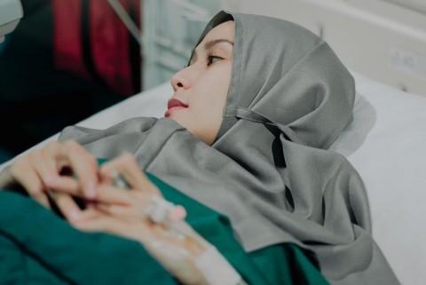 Zaskia Adya Mecca Sedih Anak Kelimanya Alami Gangguan Pernapasan