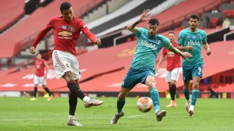 Manchester United Tembus 4 Besar