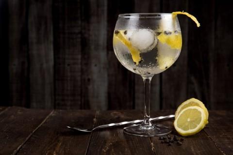 4 Efek Minum Alkohol pada Kualitas Tidur Anda
