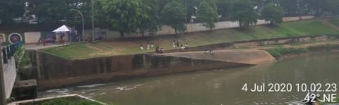 Kanal Banjir Timur Sudah Bersih dari Limbah Busa
