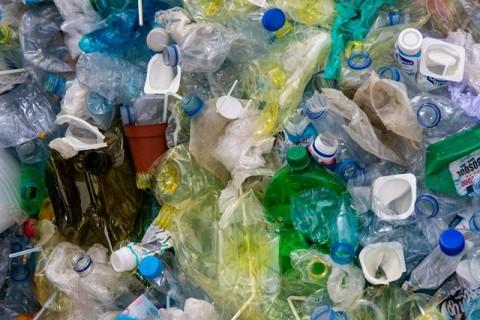 Upaya Gaya Hidup Mengurangi Sampah Plastik