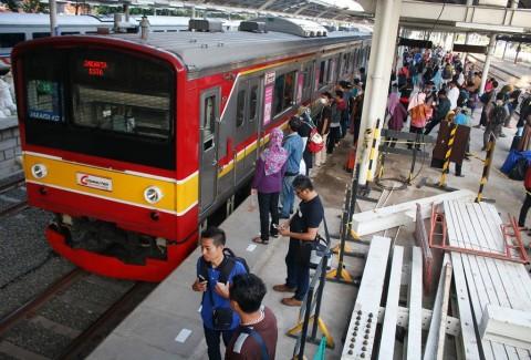 Antrean di Stasiun KRL Diklaim Upaya Pencegahan Penyebaran Covid-19