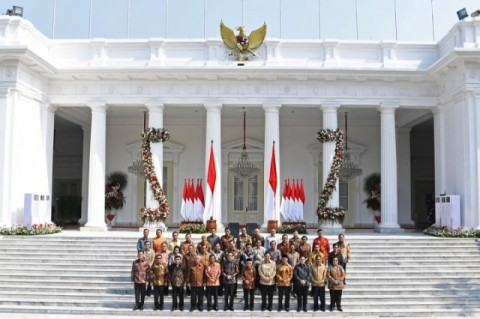 Kekesalan Jokowi Refleksi Mismanajemen Kabinet