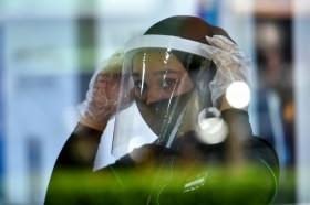 Mahasiswa UNS Salurkan Pelindung Wajah ke Sejumlah Rumah Sakit