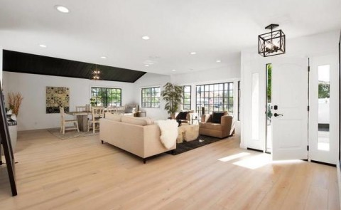 Jennifer Lopez Beli Rumah Sederhana di Los Angeles