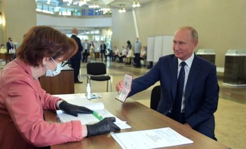 Putin Dianggap sebagai Figur Terbaik untuk Rusia Saat Ini