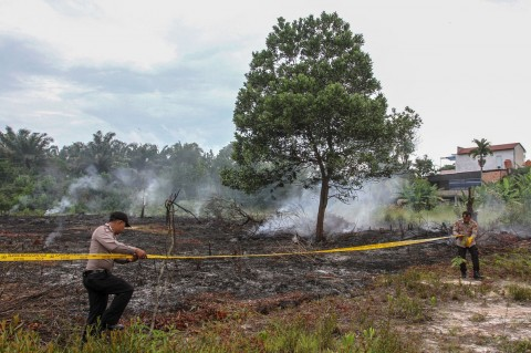 Polisi Segel Lahan Terbakar di Pekanbaru