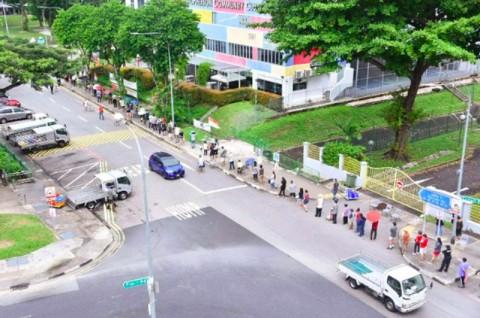 Antrean Panjang Pemilu Singapura di Tengah Pandemi Covid-19