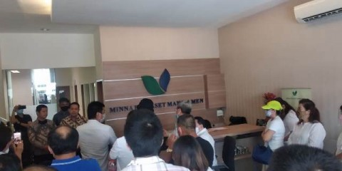 Tagih Uang, Puluhan Nasabah Geruduk Kantor PT Minna Padi