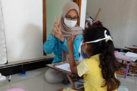 Mahasiswa UNS Inisiasi Rumah Belajar Gratis